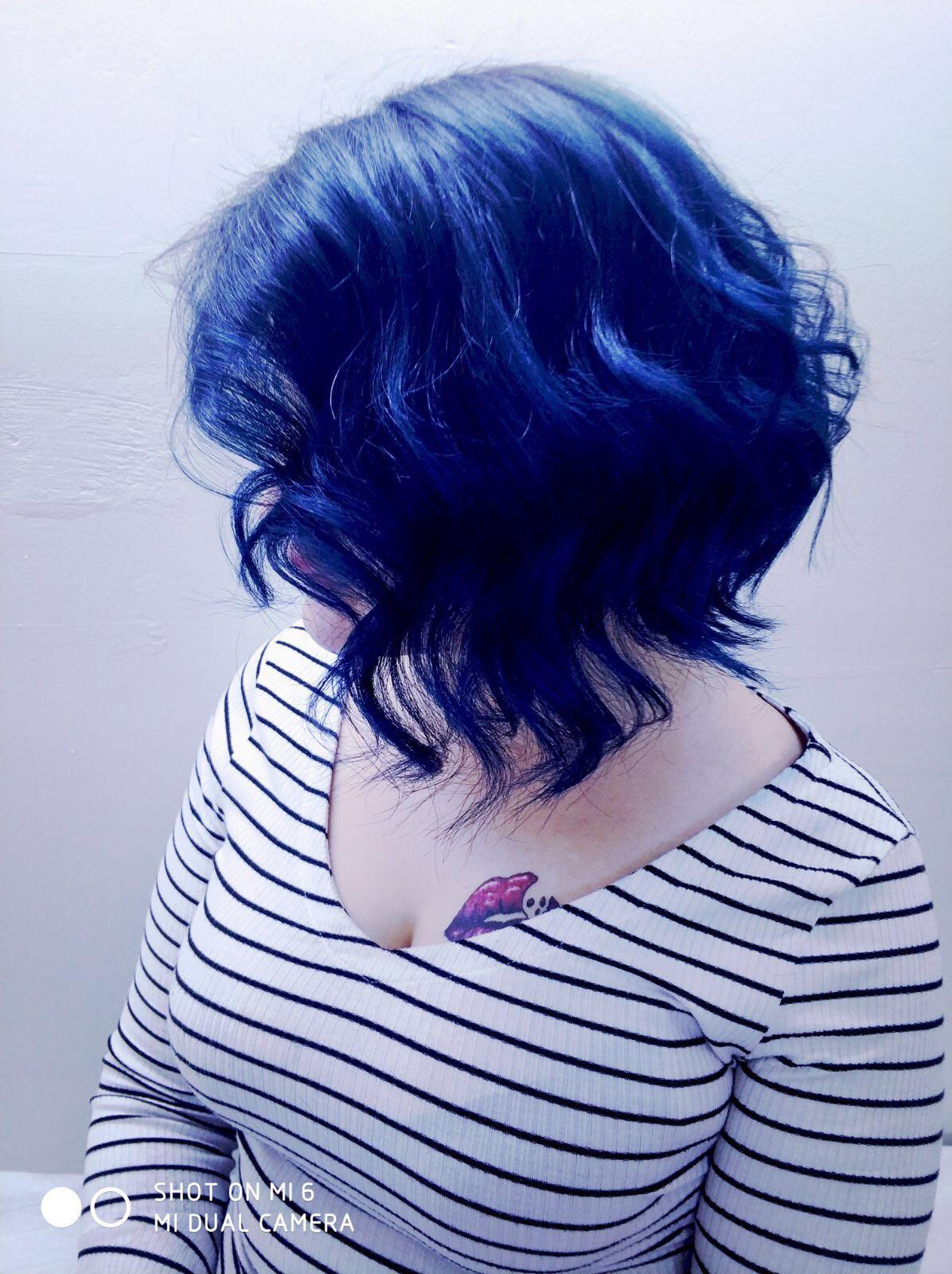 haftanın enleri mavi saç Esra Bayan Kuaförü