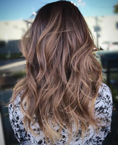Doğal katmanlı kadın saçı modeli nasıldır