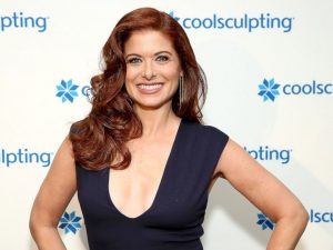 debra-messing-kizil-sac
