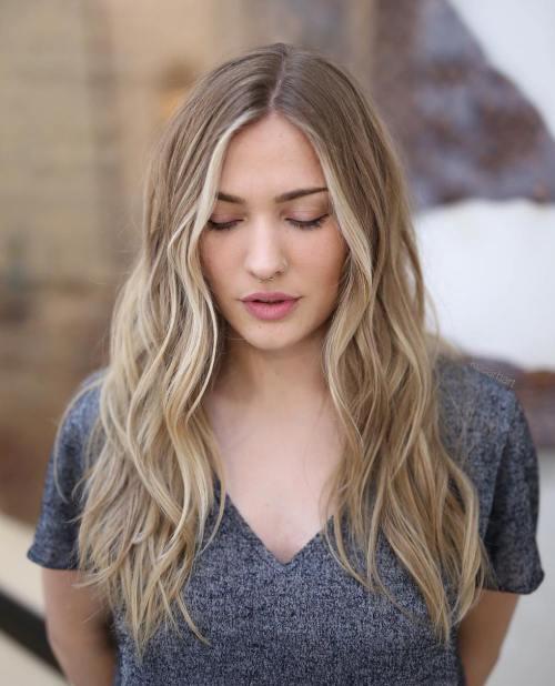 Doğal dalgalı uzun saç modelleri nelerdir