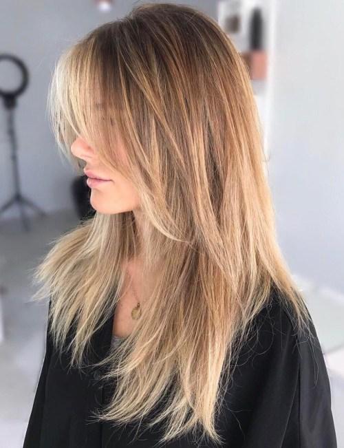 Doğal düz kadın saçı modeli nasıldır