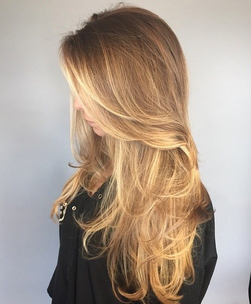 İnce saçlar için dağınık katmanlı kadın saçı modeli nasıldır