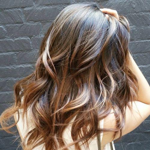 karamel şeritli kadın saçı modeli nasıldır