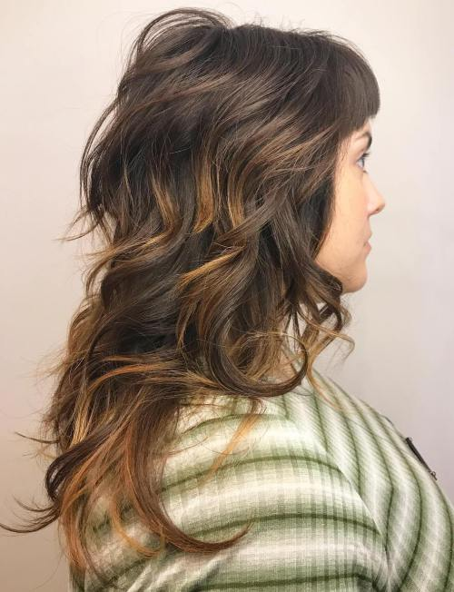 Shaggy dalgalı kadın modeli saçı nasıldır
