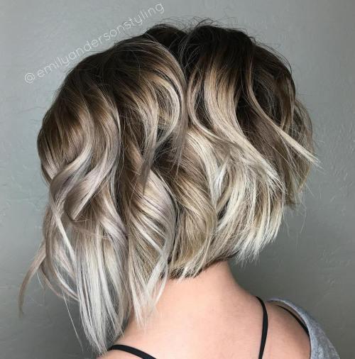 Dalgalı Modern Kesim Saç Modeli