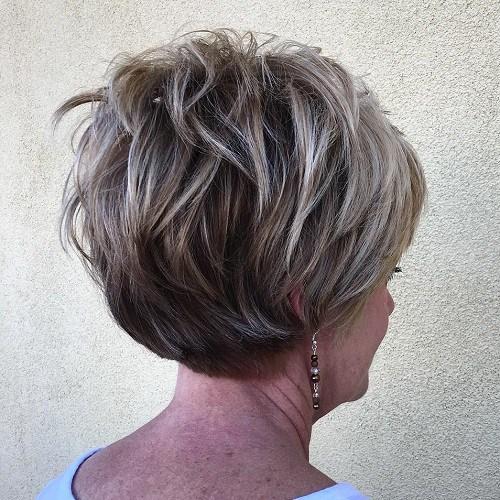 Dalgalı Kısa Saç Modeli