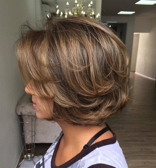 Kısa Katmanlı Saç Kesimi