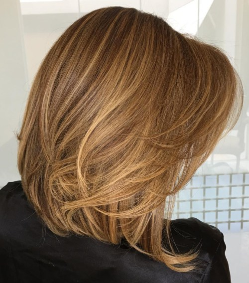 Katmanlı Karamel Rengi Lob Kesim Saç Modeli