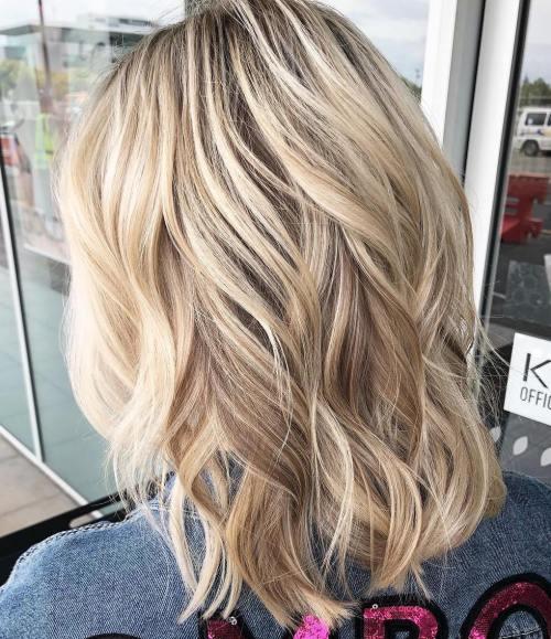 Dalgalı Orta Boy Saç Modelleri