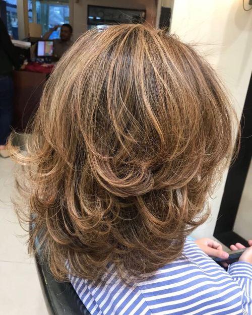 Kıvrımlı Katmanlı Saç