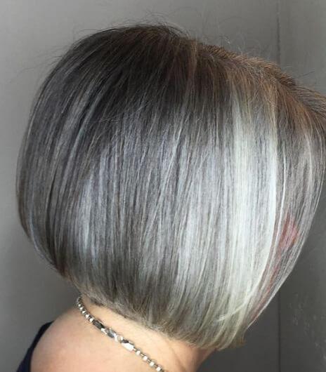 Gri Renkte Bob Kesim Saç