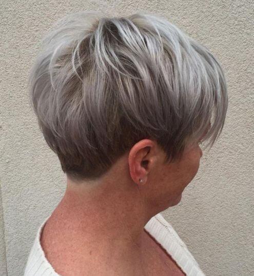 Gri Renkte Kısa Saç