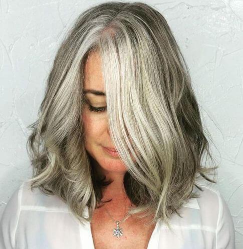 Uzu Gri Renk Saç Modeli
