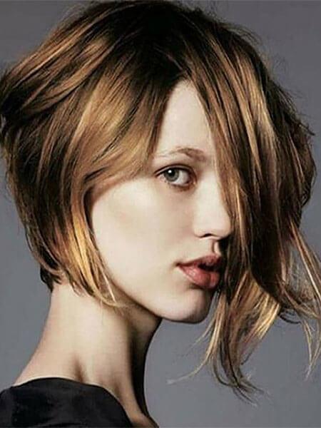 Dalgalı Asimetrik Bob Saç Modeli Nedir