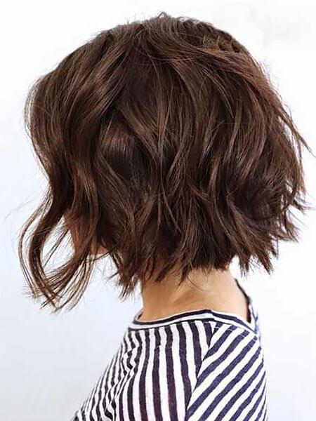 Dalgalı Ters Bob Saç Modelleri