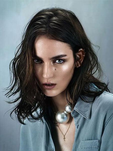 Kısa Katmanlı Saç Modeli