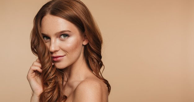 Dalgalı Fönlü Saç Modeli