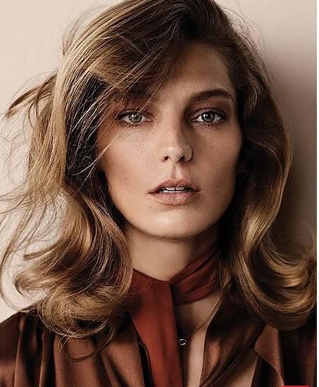 Kalın Telli Saçlara Katlı Saç Modeli