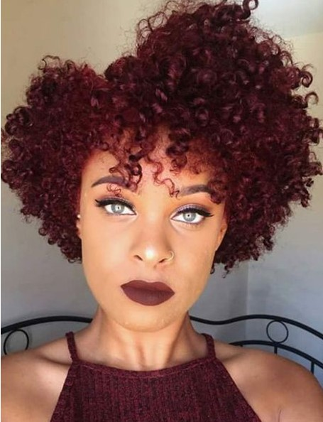 Afrolu Koyu Kızıl Saç Modelleri