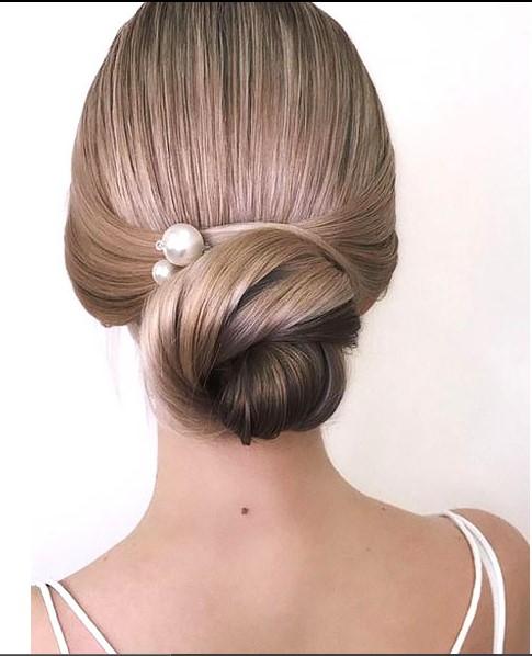 Alçak Topuz Gelin Saçı Modeli