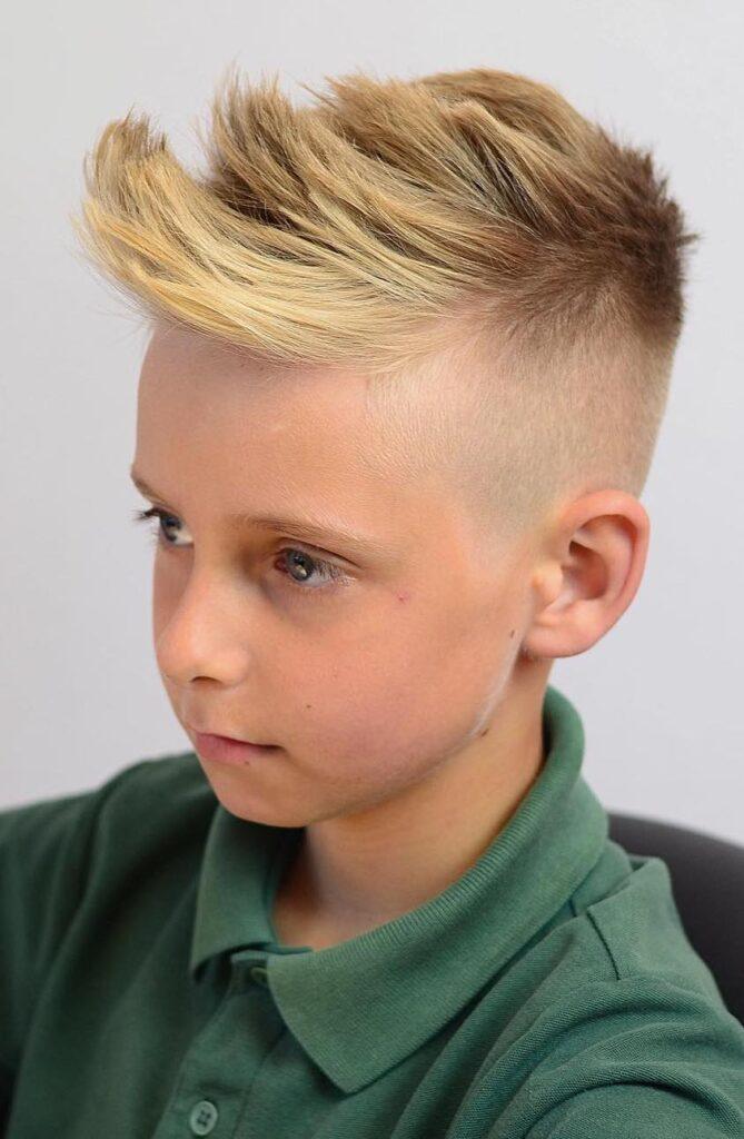 Katmanlı Erkek Çoçuk Saç Modeli