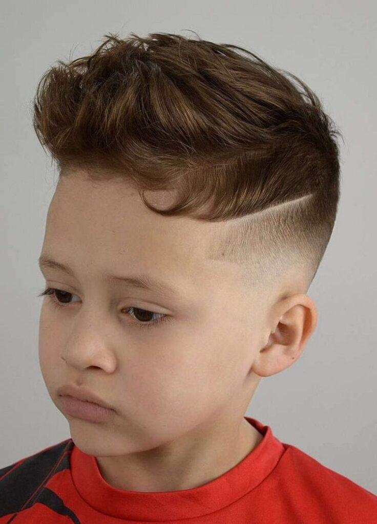 Ustu İnce Traşlı Saç Modeli