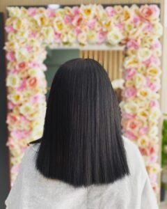 düz kısa siyah saç modeli