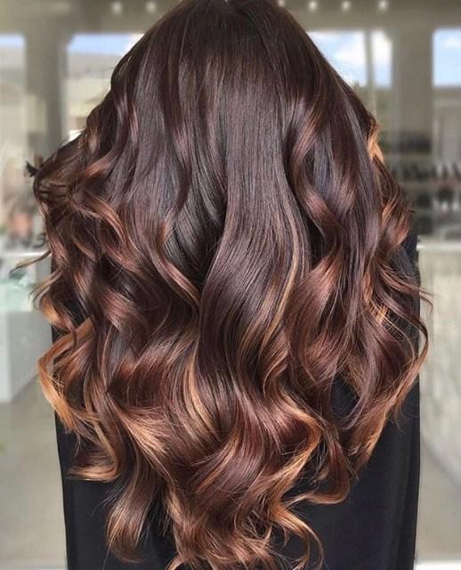 Bitter Çikolatası Saç Modeli